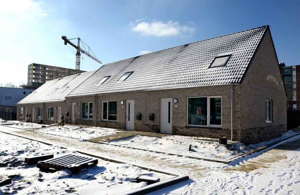 Grondgebonden woningen SUPERLOCAL in de sneeuw